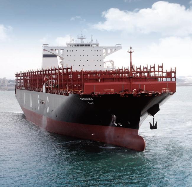 LNG-레디(ready) 선박. 최소한의 LNG 추진설비만 갖춰 경제성을 확보할 수 있는 시점이 되면 간단한 개조를 통해 바로 LNG가스 추진체계를 적용할 수 있다. - 현대중공업 제공